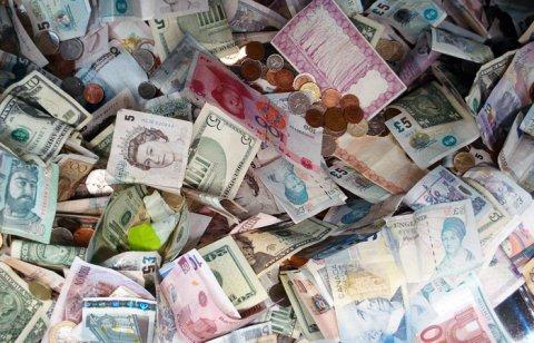 Сегодня вступают в силу новые штрафы по валютным операциям для должностных лиц