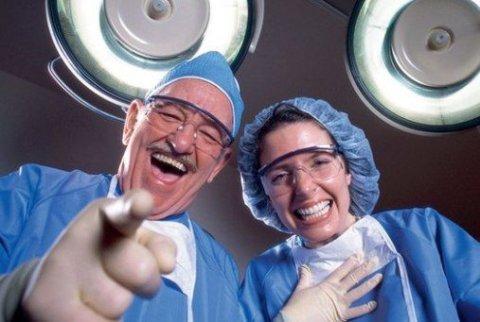 Все больничные за месяц оплачивают только в определённый день: верно ли это