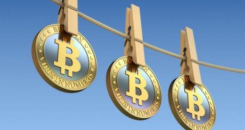 Обвал биткоина в январе снизил капитализацию криптовалюты в два раза