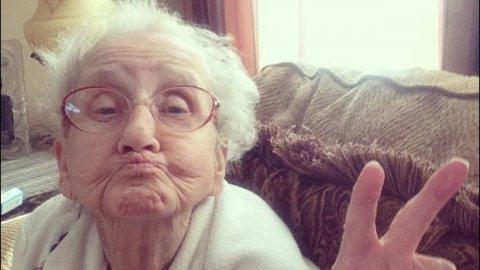 Если квартиру подарила бабушка, внучка не должна платить НДФЛ