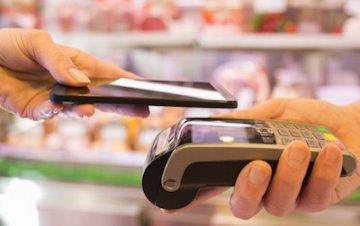 Бесконтактные платежи оказались не по уму владельцам смартфонов