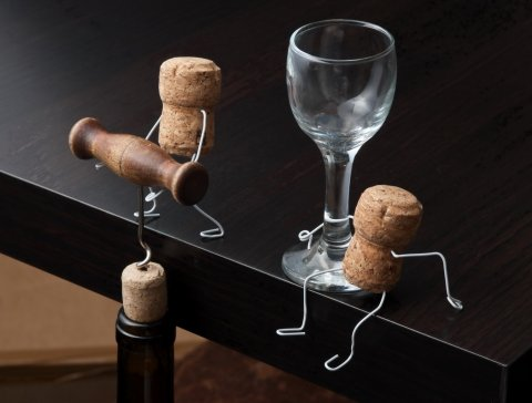 Плановых проверок алкогольных лицензий избежит только розничная торговля